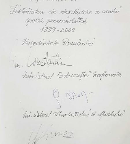 09.-Festivitate-de-deschidere-a-anului-școlar-1999-2000